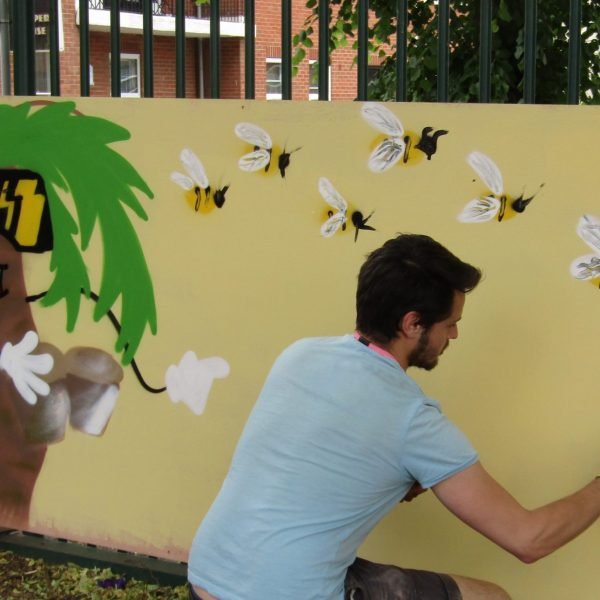 Oxford Street Art Collective working with East Oxford Primary School